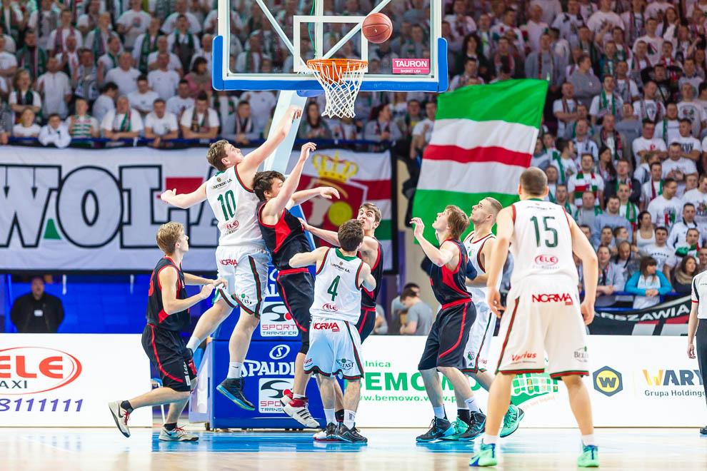 Legia Warszawa 69-58 Polonia Warszawa - fot. Piotr Galas (zdjęcie 13 z 77)
