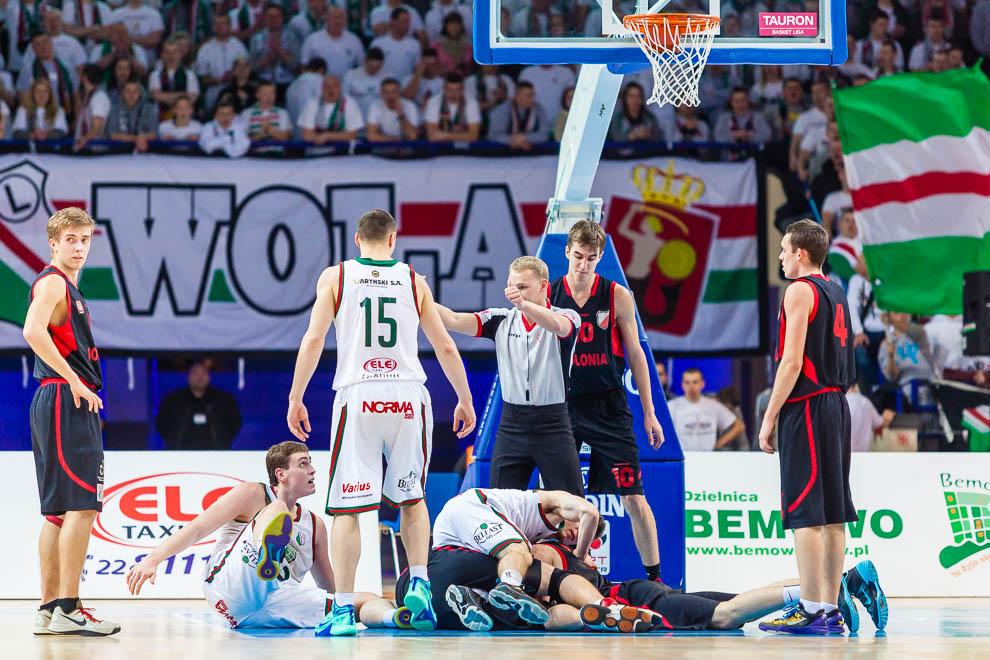 Legia Warszawa 69-58 Polonia Warszawa - fot. Piotr Galas (zdjęcie 14 z 77)