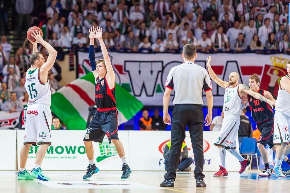 Legia Warszawa 69-58 Polonia Warszawa - fot. Piotr Galas (zdjęcie 21 z 77)