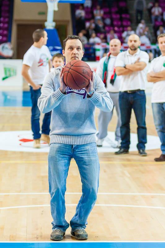 Legia Warszawa 69-58 Polonia Warszawa - fot. Piotr Galas (zdjęcie 47 z 77)