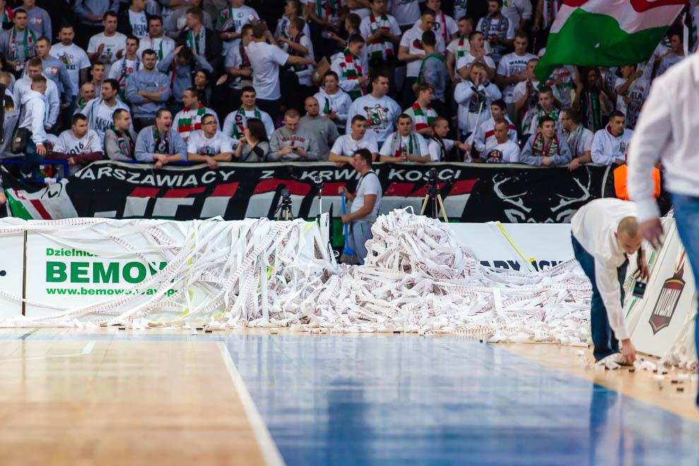 Legia Warszawa 69-58 Polonia Warszawa - fot. Piotr Galas (zdjęcie 60 z 77)