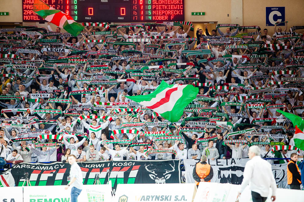 Legia Warszawa 69-58 Polonia Warszawa - fot. Piotr Galas (zdjęcie 62 z 77)