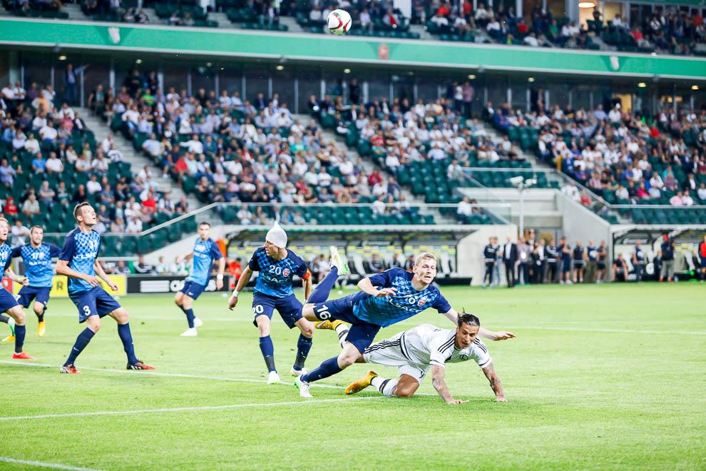 Legia Warszawa 1-0 FC Botosani - fot. Piotr Galas/wiadomosci24.pl (zdjęcie 59 z 84)