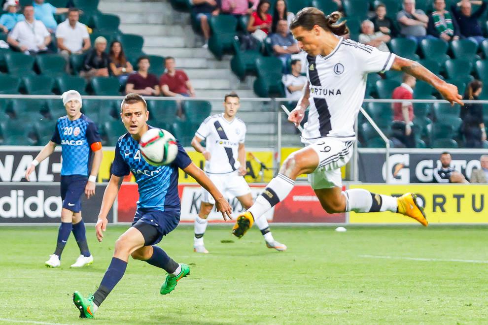 Legia Warszawa 1-0 FC Botosani - fot. Piotr Galas/wiadomosci24.pl (zdjęcie 63 z 84)