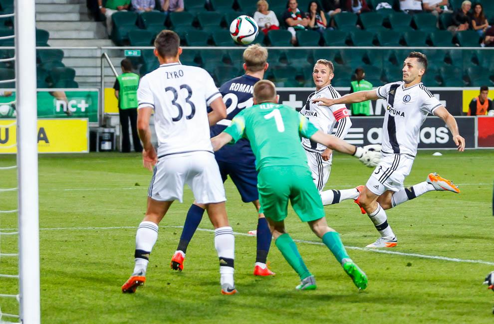 Legia Warszawa 1-0 FC Botosani - fot. Piotr Galas/wiadomosci24.pl (zdjęcie 71 z 84)