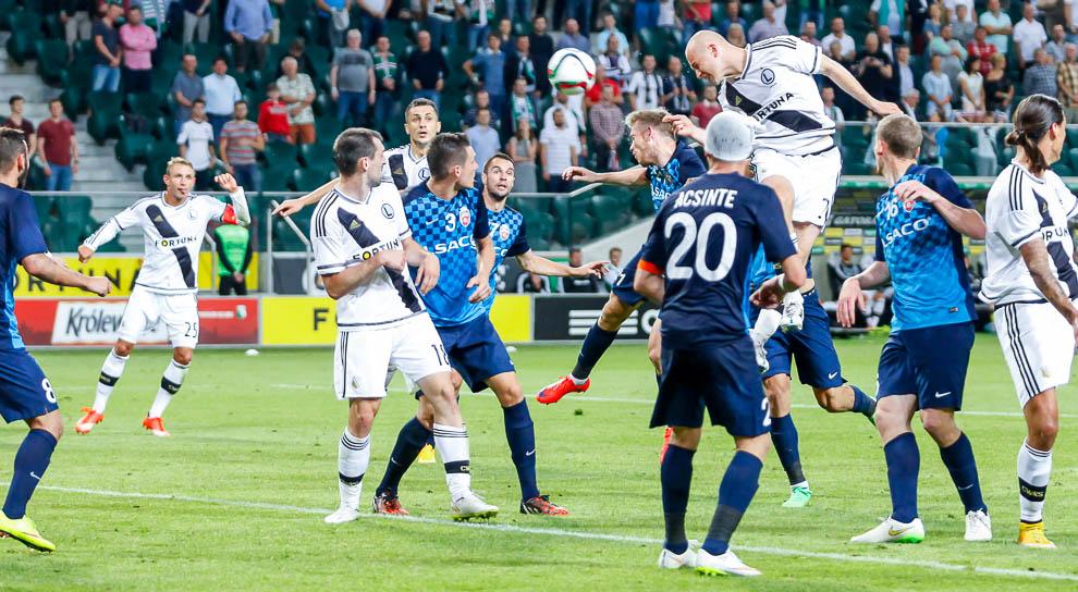 Legia Warszawa 1-0 FC Botosani - fot. Piotr Galas/wiadomosci24.pl (zdjęcie 76 z 84)