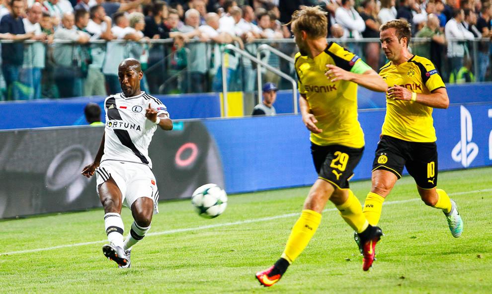 Legia Warszawa 0-6 Borussia Dortmund - fot. Piotr Galas/wiadomosci24.pl (zdjęcie 44 z 77)