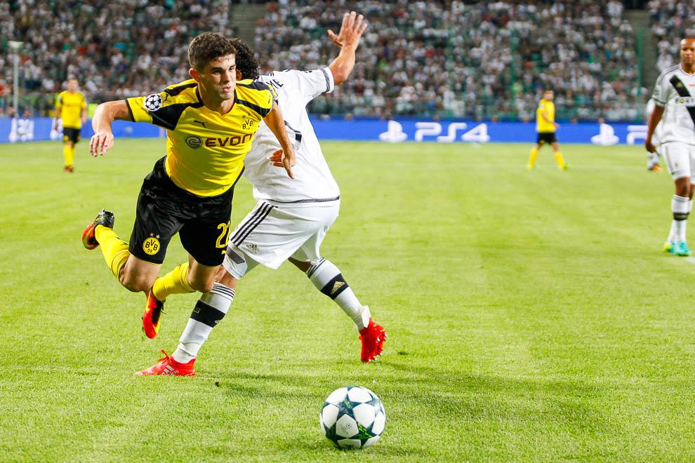 Legia Warszawa 0-6 Borussia Dortmund - fot. Piotr Galas/wiadomosci24.pl (zdjęcie 58 z 77)