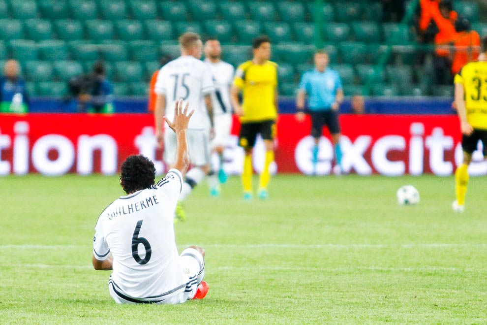 Legia Warszawa 0-6 Borussia Dortmund - fot. Piotr Galas/wiadomosci24.pl (zdjęcie 65 z 77)