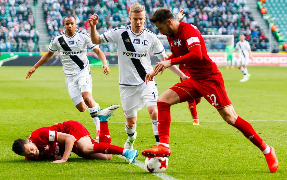 Legia Warszawa 1-1 Wisła Kraków - fot. Piotr Galas/wiadomosci24.pl (zdjęcie 39 z 52)