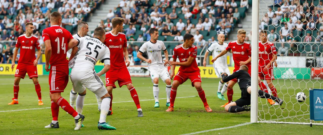 Legia Warszawa 2-0 Górnik Zabrze - fot. Piotr Galas (zdjęcie 27 z 83)