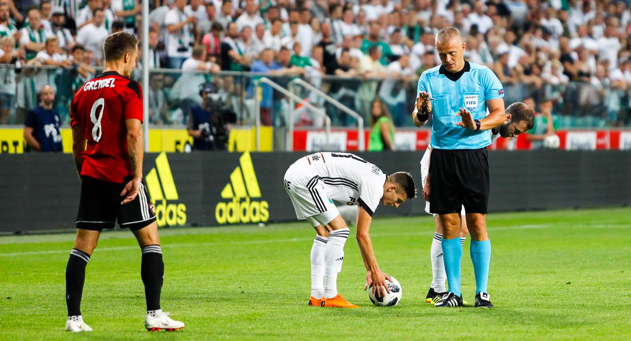 Legia Warszawa 0-2 Spartak Trnava - fot. Piotr Galas (zdjęcie 34 z 84)