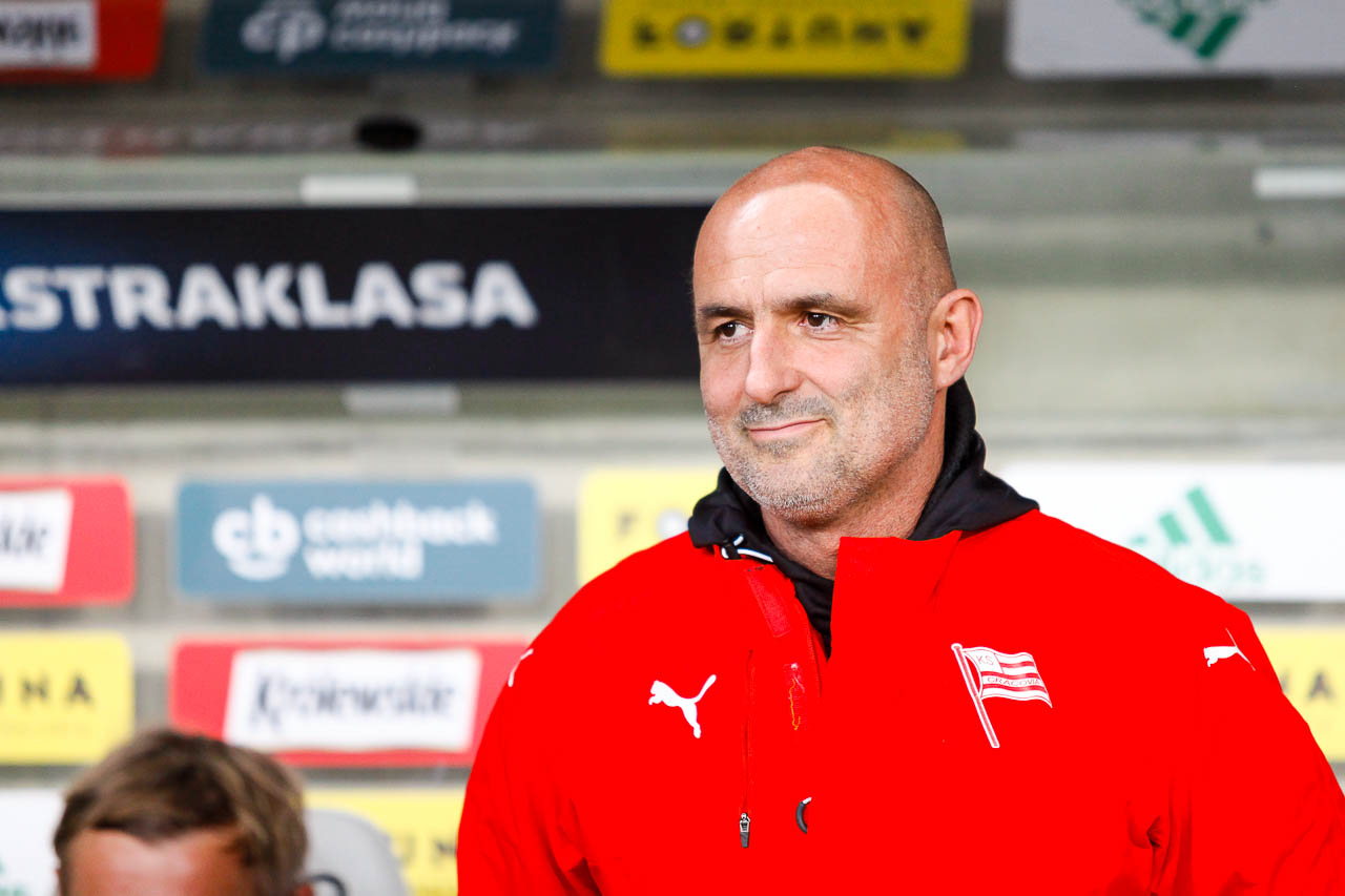 Legia Warszawa 1-0 Cracovia - fot. Piotr Galas (zdjęcie 21 z 89)