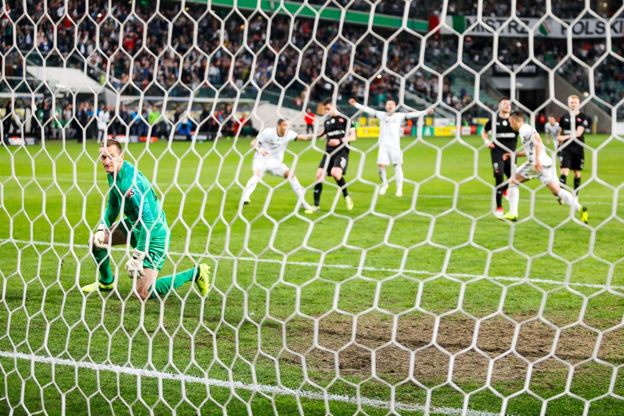 Legia Warszawa 1-0 Cracovia - fot. Piotr Galas (zdjęcie 74 z 89)