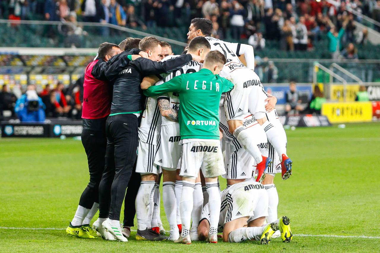 Legia Warszawa 1-0 Cracovia - fot. Piotr Galas (zdjęcie 75 z 89)