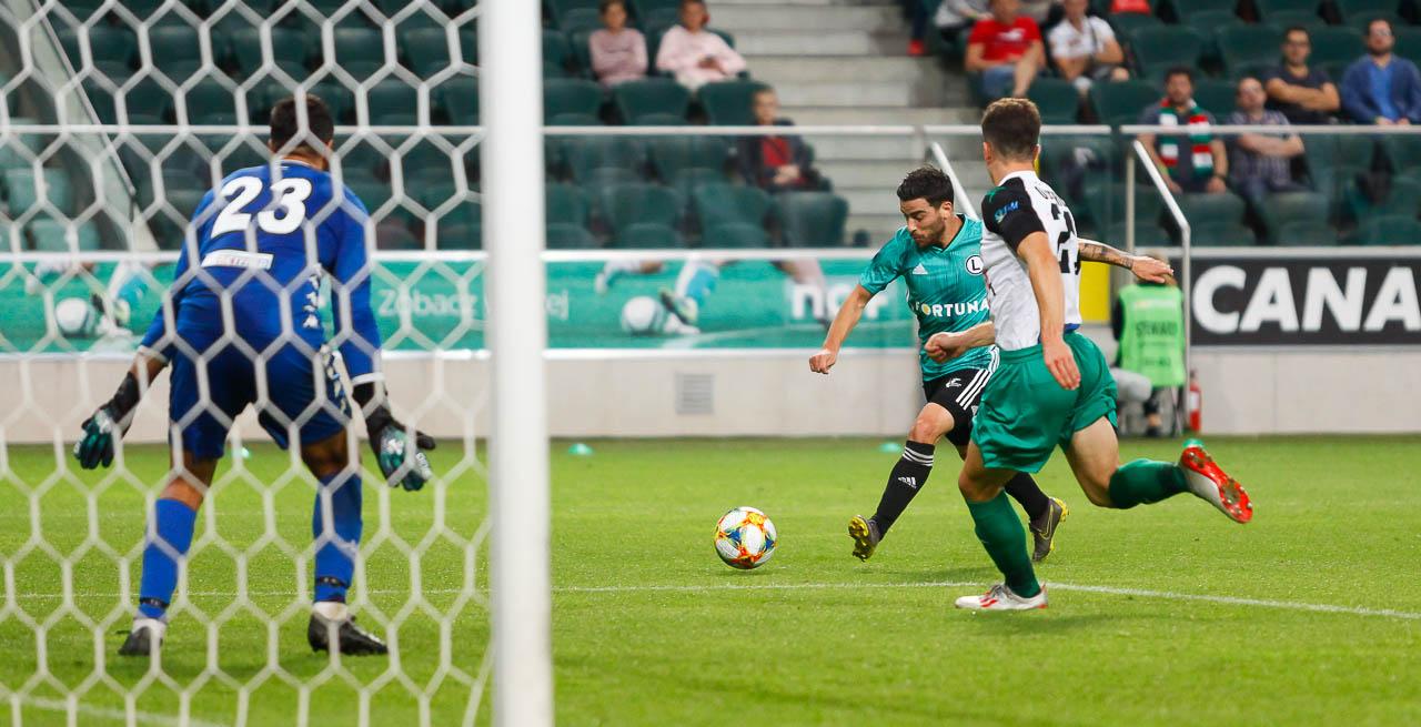 Legia Warszawa 3-0 Europa FC - fot. Piotr Galas (zdjęcie 60 z 73)