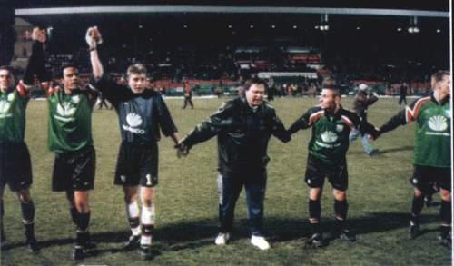 Radość piłkarzy po meczu -- fot: Nasza  Legia