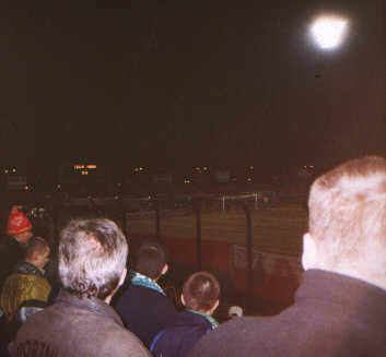 Rzut oka na stadion i... -- fot. Łukasz Puchalski