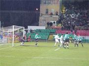 W ostatnim meczu na Łazienkowskiej lepsza okazała się Legia - fot. Woytek