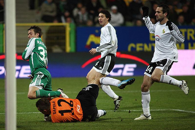 GKS Bełchatów 0-1 Legia Warszawa - fot. Piotr Galas (zdjęcie 56 z 69)