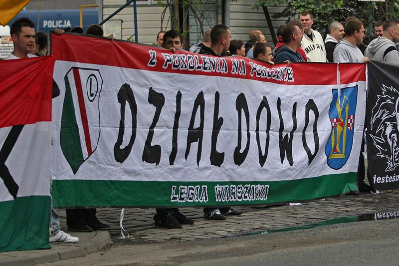Pikieta kibiców Legii Warszawa - fot. Piotr Galas (zdjęcie 31 z 55)
