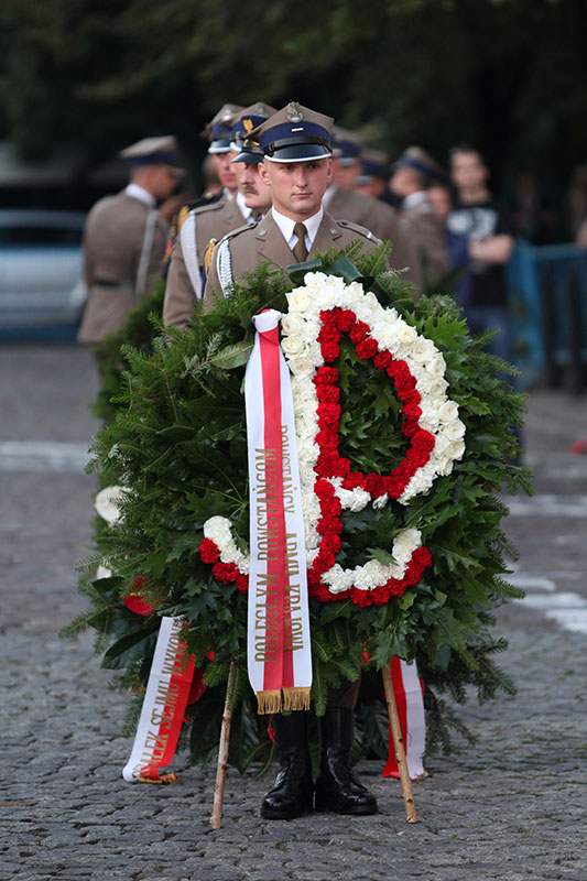 Apel Poległych na pl. Krasińskich - fot. Piotr Galas (zdjęcie 12 z 43)