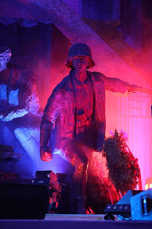 Apel Poległych na pl. Krasińskich - fot. Piotr Galas (zdjęcie 30 z 43)