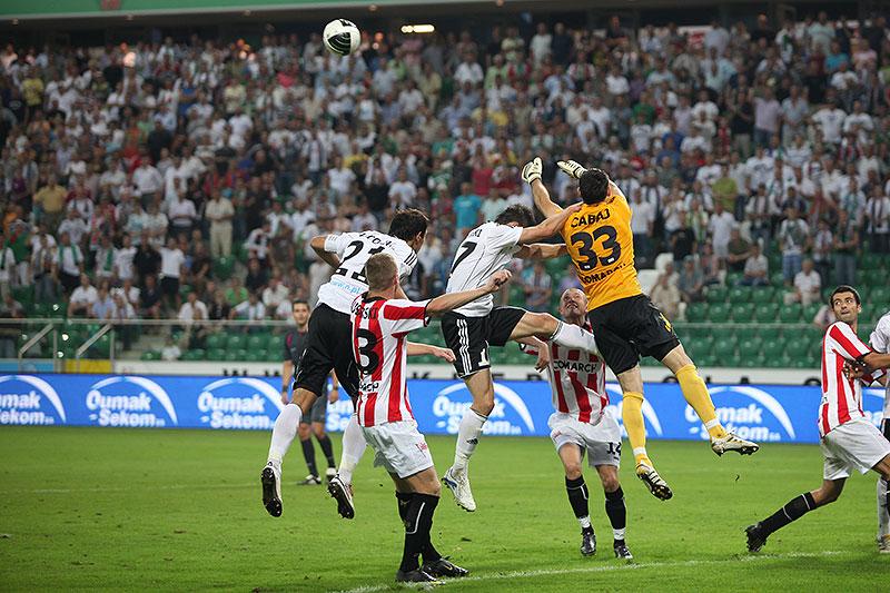Legia Warszawa 2-1 Cracovia Kraków - fot. Piotr Galas (zdjęcie 60 z 106)