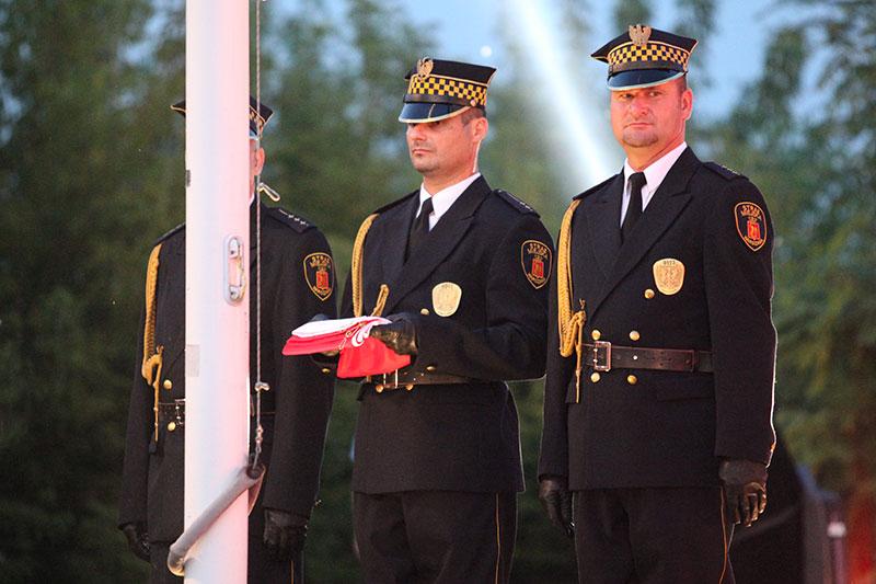 Obchody wybuchu Powstania Warszawskiego na Kopcu Powstania Warszawskiego - fot. Piotr Galas (zdjęcie 10 z 29)