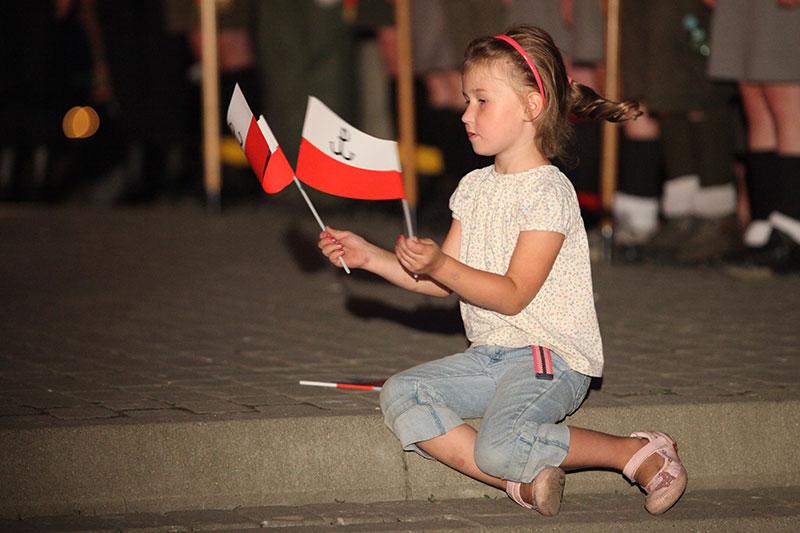 Obchody wybuchu Powstania Warszawskiego na Kopcu Powstania Warszawskiego - fot. Piotr Galas (zdjęcie 18 z 29)