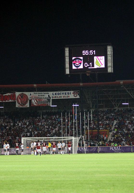 Gaziantepspor 0-1 Legia Warszawa - fot. Piotr Galas (zdjęcie 57 z 89)