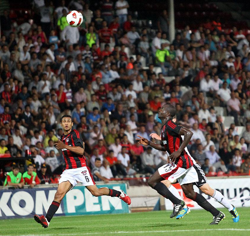 Gaziantepspor 0-1 Legia Warszawa - fot. Piotr Galas (zdjęcie 62 z 89)