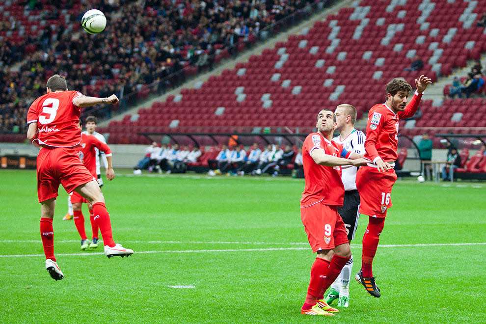 Sparing: Legia Warszawa 0-2 Sevilla FC - fot. Piotr Galas (zdjęcie 13 z 71)