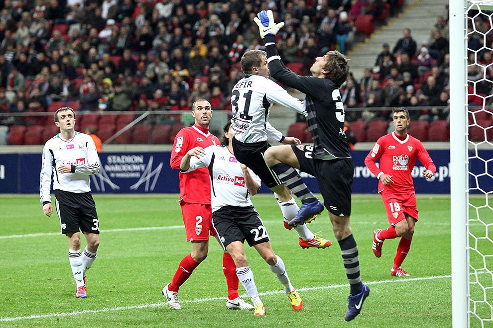 Sparing: Legia Warszawa 0-2 Sevilla FC - fot. Piotr Galas (zdjęcie 55 z 71)