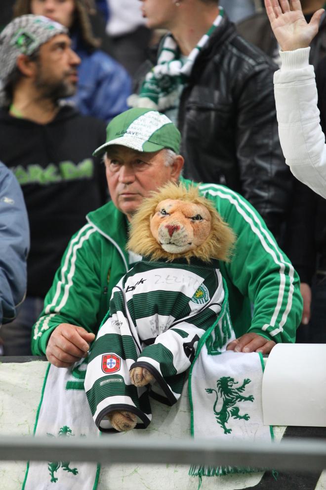 Sporting Lizbona 1-0 Legia Warszawa - fot. Piotr Galas (zdjęcie 42 z 64)