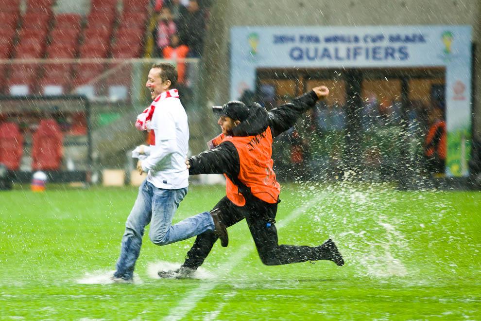 Polska - Anglia - mecz odwołany - fot. Piotr Galas (zdjęcie 14 z 30)