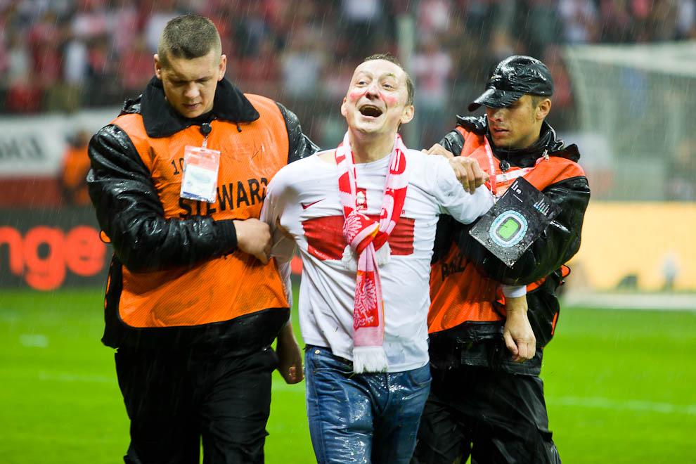 Polska - Anglia - mecz odwołany - fot. Piotr Galas (zdjęcie 18 z 30)