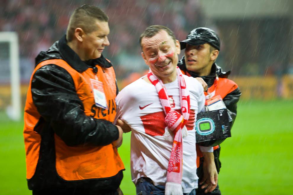 Polska - Anglia - mecz odwołany - fot. Piotr Galas (zdjęcie 19 z 30)