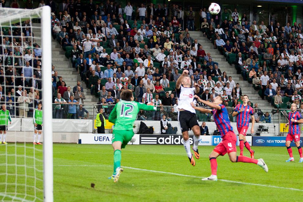 Legia Warszawa 2-2 Steaua Bukareszt - fot. Piotr Galas / Wiadomosci24.pl (zdjęcie 55 z 87)
