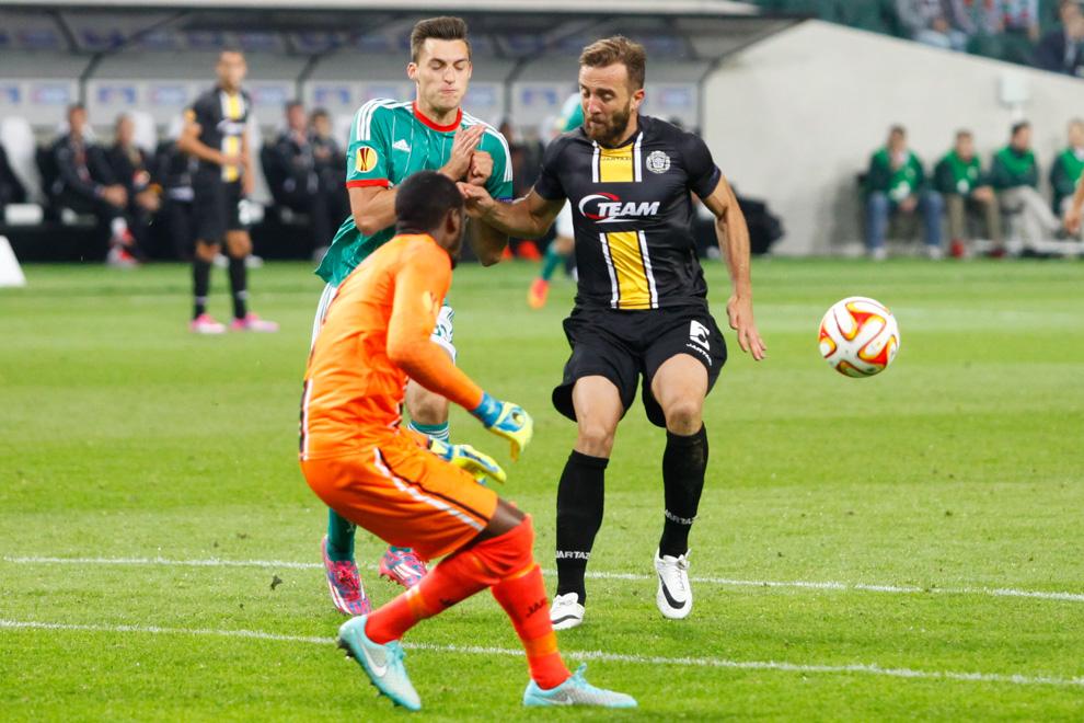 Legia Warszawa 1-0 KSC Lokeren - fot. Piotr Galas - wiadomosci24.pl (zdjęcie 35 z 57)