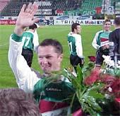 Jacek Zieliński dziś obchodził urodziny, strzelił gola i doznał kontuzji... - fot. Woytek
