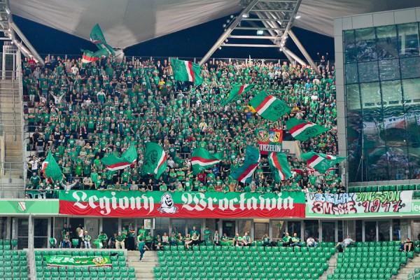 Wrocławianie na wyjazdowym meczu z Legią we wrześniu 2014 - fot. Legionisci.com