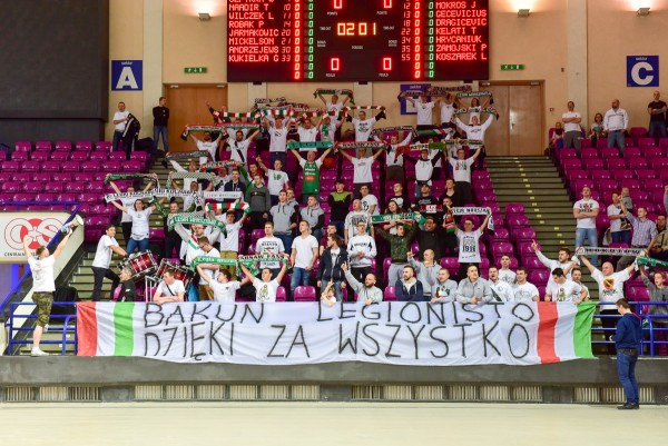 Kibice Legii podziękowali Piotrowi Bakunowi - fot. Woytek / Legionisci.com