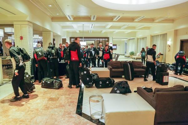 Piłkarze Legii dotarli do hotelu w Boca Raton - fot. Hagi / Legionisci.com