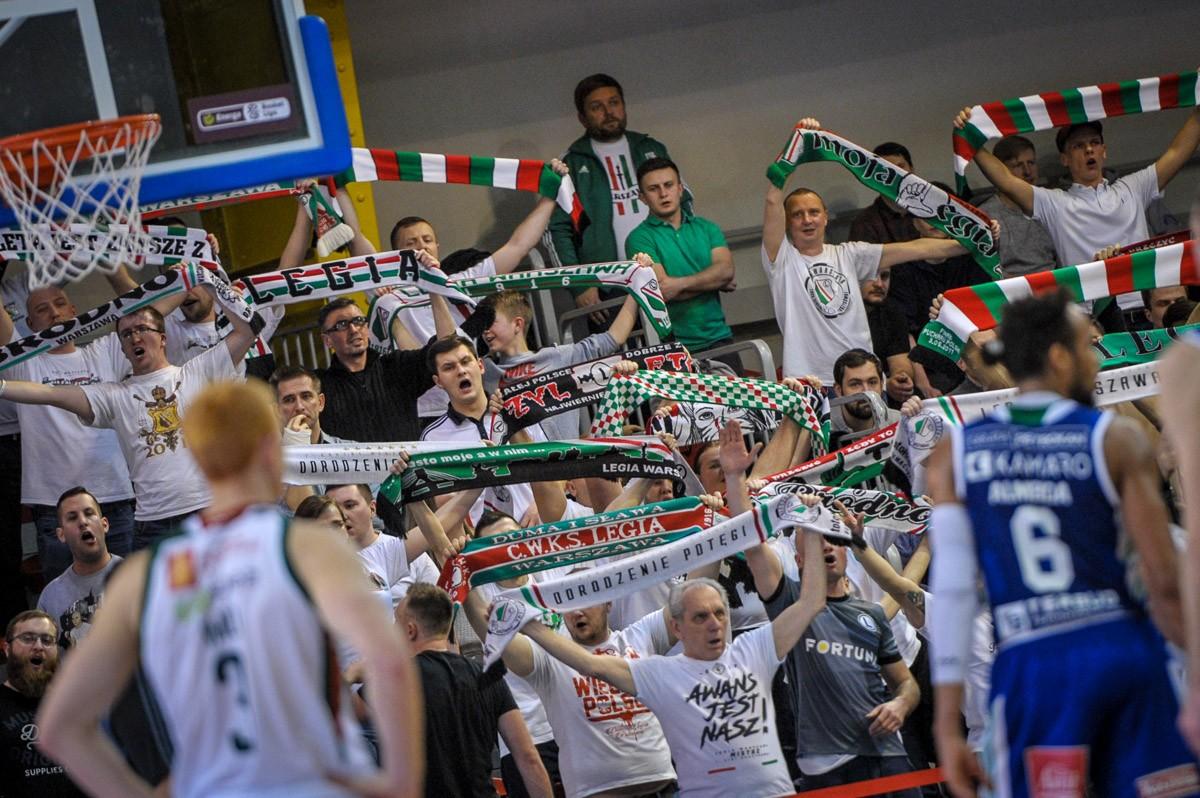 Kibice Legii na meczu z Anwilem Włocławek - fot. Woytek / Legionisci.com