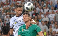Mateusz Wieteska podczas meczu z Cork City - fot. Mishka / Legionisci.com